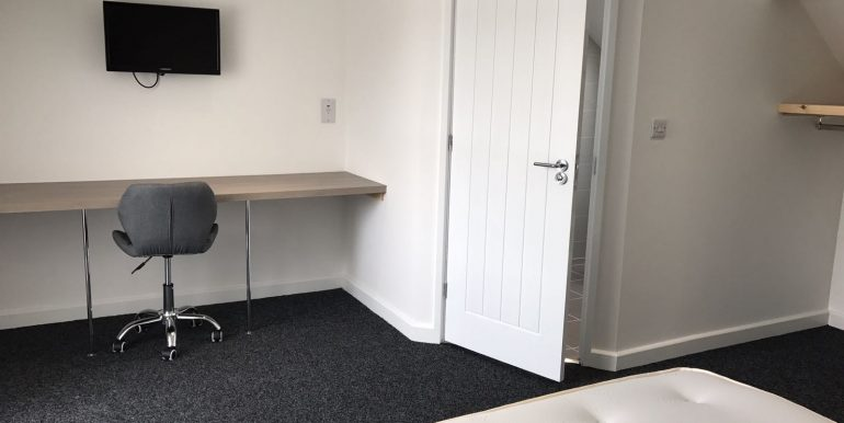 Ensuite bedroom - University of Lincoln Student Accommodation