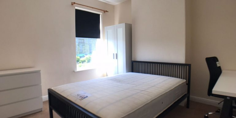 Large Double Bedroom - Student Accommodation Lincoln
