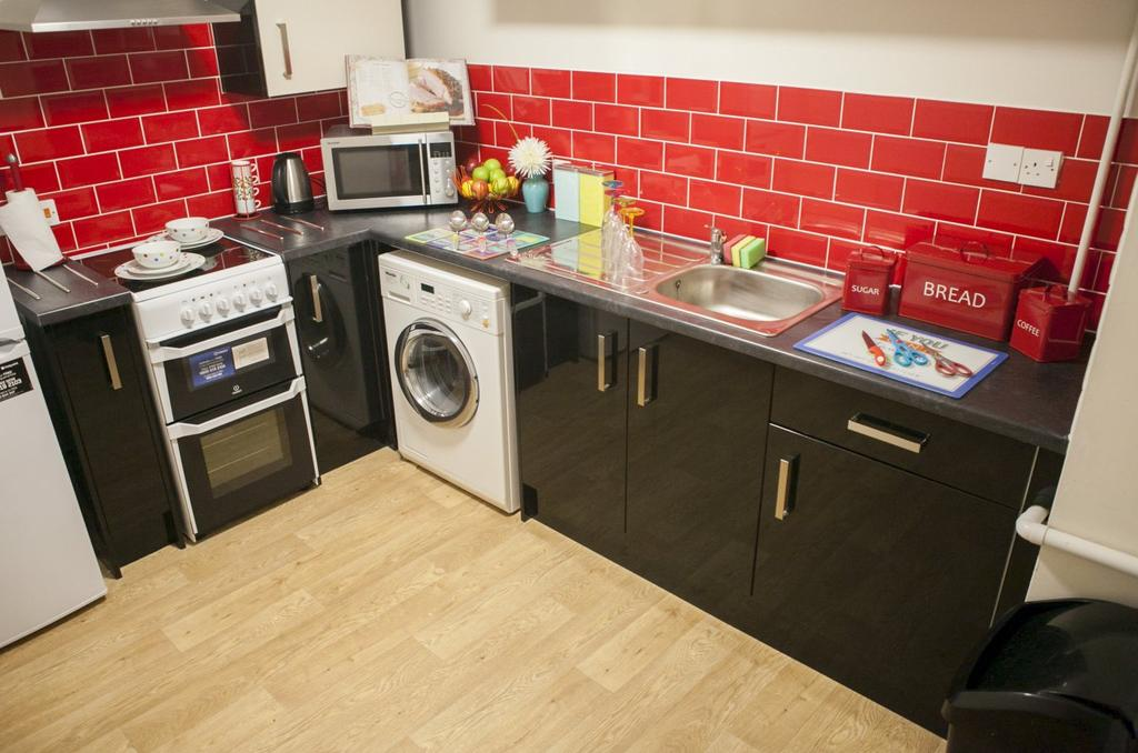Flat 12, Cathedral Court – 5 Bed