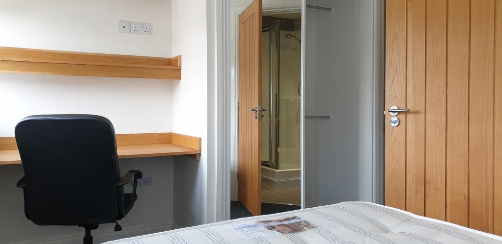 Flat 9, Lord Tennyson Apartments – 3 Bed
