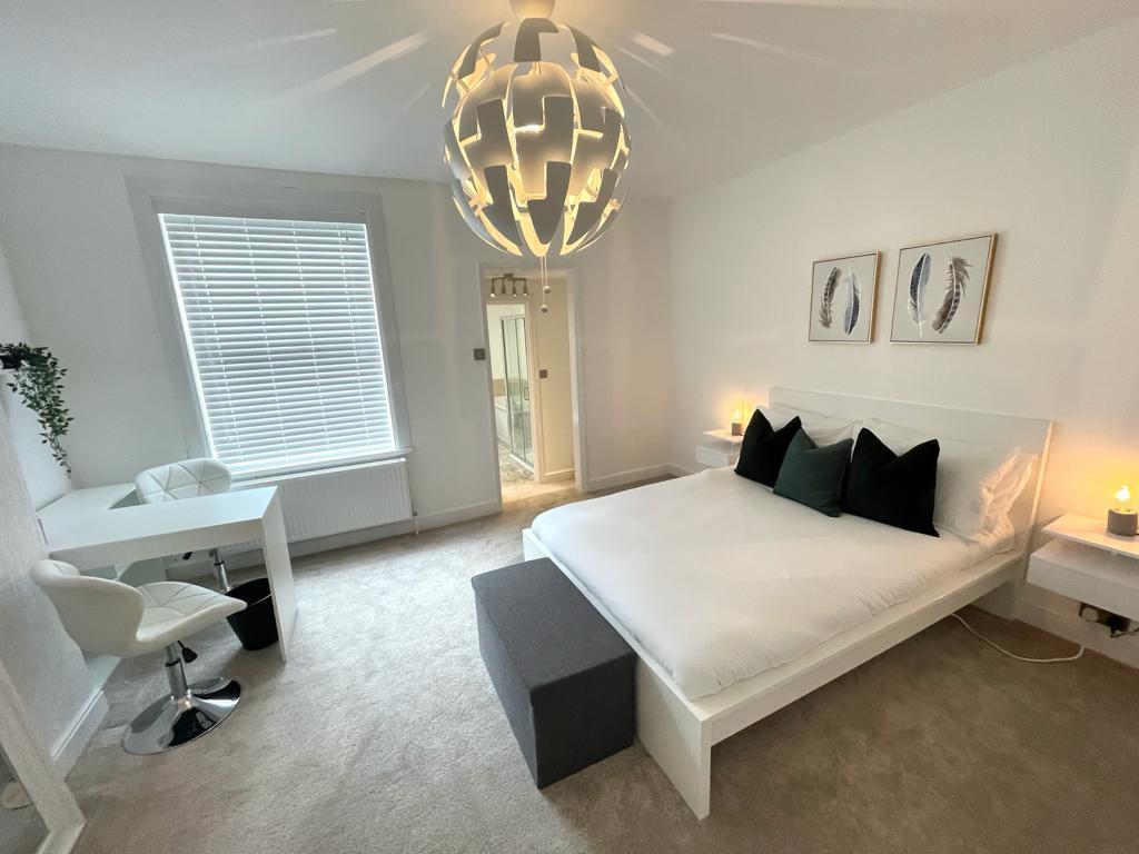 Burton Road – 2 Bed